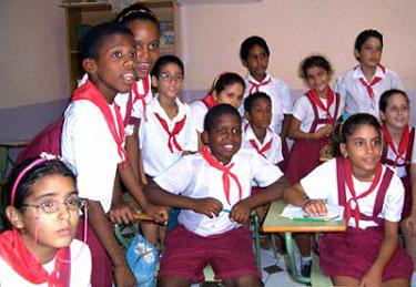 Educación y salud gratuitas se mantienen en Cuba